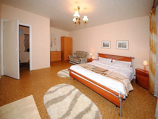 1-комнатная квартира посуточно в Черкассах. ул. Верхняя Горовая (Фрунзе), 24. Фото 1