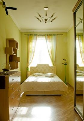 3-комнатная квартира посуточно в Львове. Лычаковский район, ул. Шота Руставели, 10. Фото 1