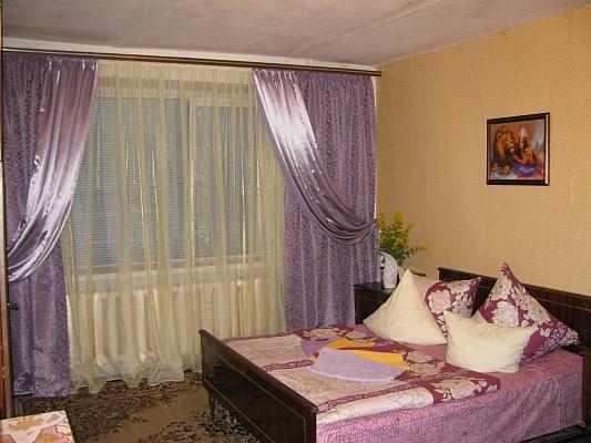 1-комнатная квартира посуточно в Луцке. пр-т Соборности, 26. Фото 1