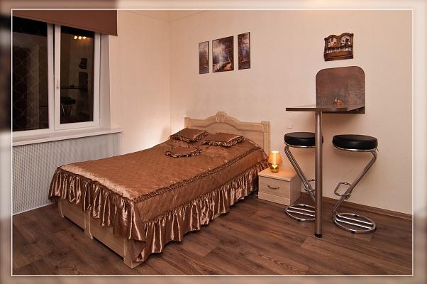 1-комнатная квартира посуточно в Харькове. Киевский район, ул. Маяковского, 15. Фото 1