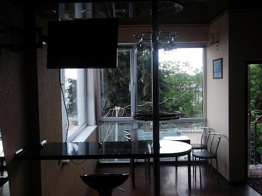 2-комнатная квартира посуточно в Алуште. ул. Верхняя, 23. Фото 1