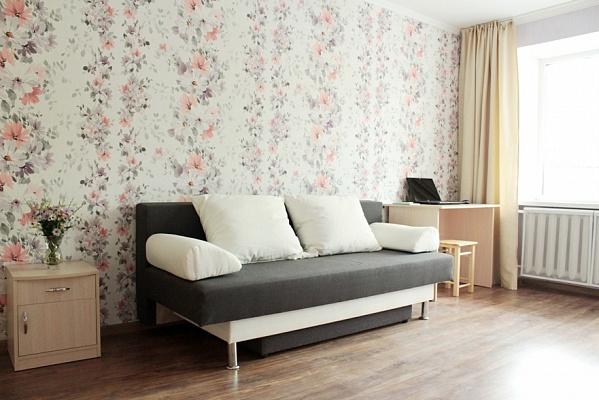 1-комнатная квартира посуточно в Бердянске. ул. 12-го Декабря, 7\2. Фото 1