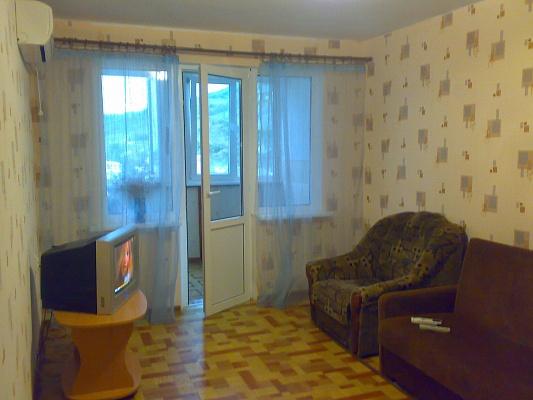 2-комнатная квартира посуточно в Гурзуфе. ул. Соловьева, 10. Фото 1