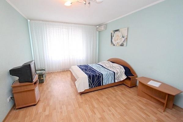 1-комнатная квартира посуточно в Феодосии. б-р Старшинова, 8. Фото 1