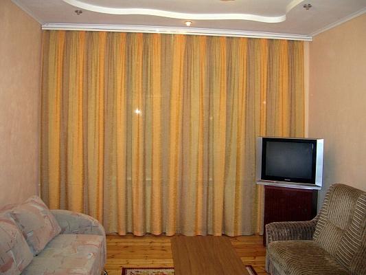 2-комнатная квартира посуточно в Запорожье. Ленинский район, ул. Ивановская, 10. Фото 1
