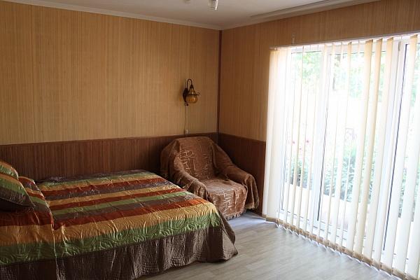 Дом  посуточно в Бердянске. ул. Тищенко, 48. Фото 1