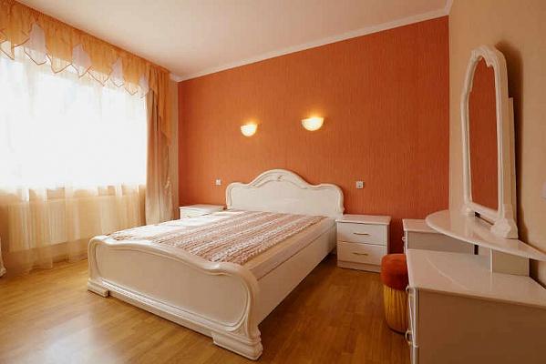 2-комнатная квартира посуточно в Львове. Лычаковский район, ул. Зеленая, 97. Фото 1