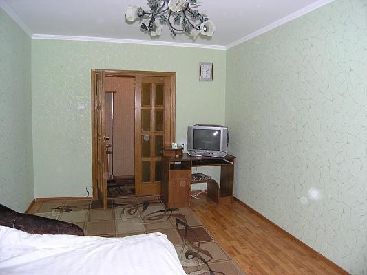 3-комнатная квартира посуточно в Ровно. ул. Грушевского, 5а. Фото 1