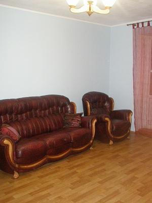 2-комнатная квартира посуточно в Херсоне. Суворовский район, ул. Краснощекиной, 2а. Фото 1
