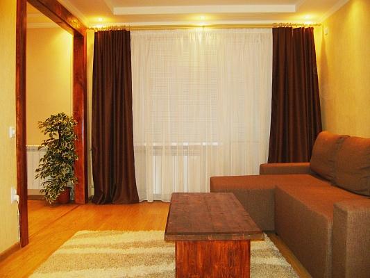 2-комнатная квартира посуточно в Мариуполе. пр-т Нахимова, 194. Фото 1
