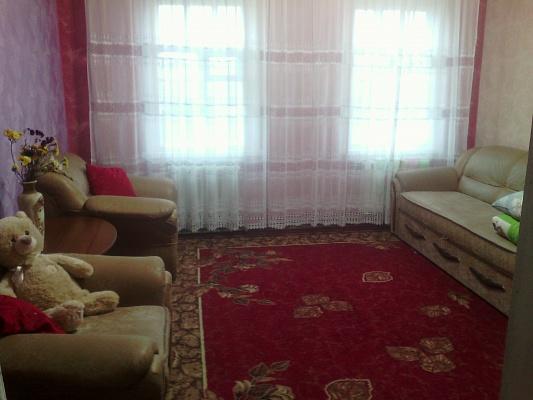 2-комнатная квартира посуточно в Артемовске. ул. Рабочая, 31. Фото 1