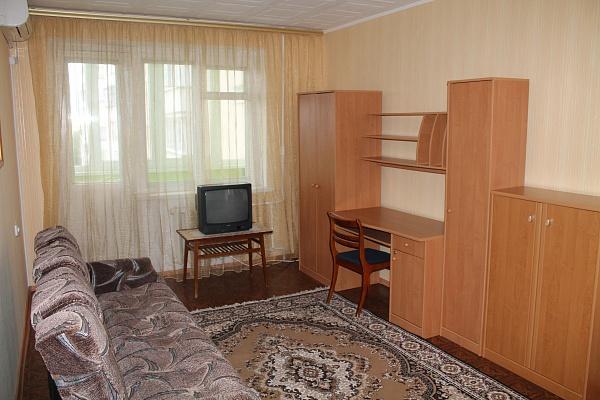 1-комнатная квартира посуточно в Ильичёвске. Пригород район, ул. Александрийская, 4а. Фото 1
