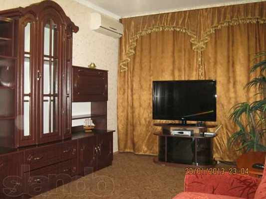 2-комнатная квартира посуточно в Керчи. ул. Орджоникидзе, 117. Фото 1