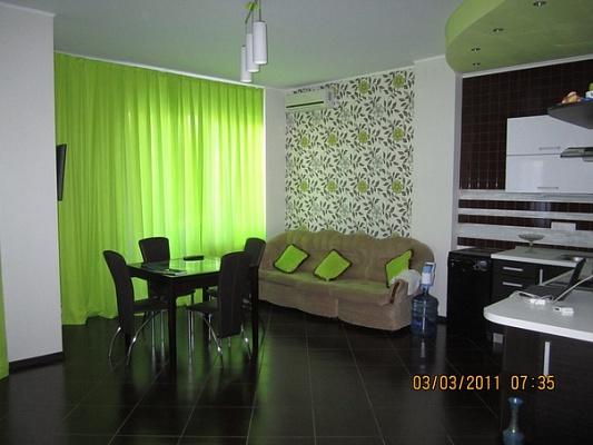 3-комнатная квартира посуточно в Одессе. Приморский район, ул. Педагогическая, 21. Фото 1