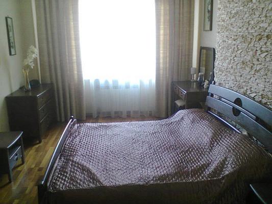2-комнатная квартира посуточно в Киеве. Печерский район, Крещатик, 23. Фото 1