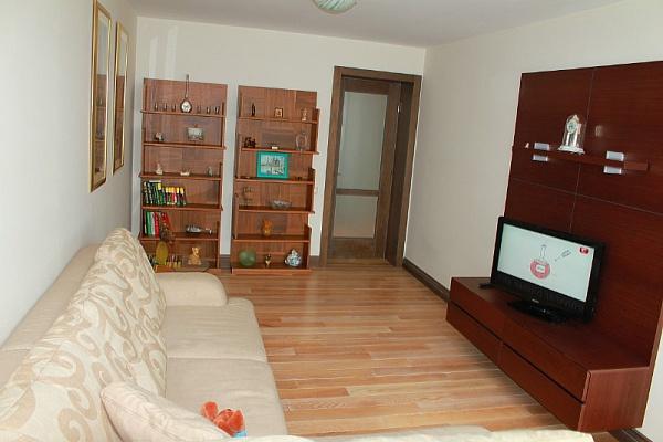 2-комнатная квартира посуточно в Ильичёвске. Пригород район, Ленина, 8. Фото 1