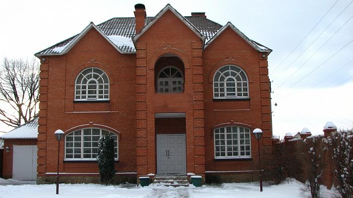 Дом  посуточно в Луганске. Ленинский район, ул. Оборонная, 55. Фото 1