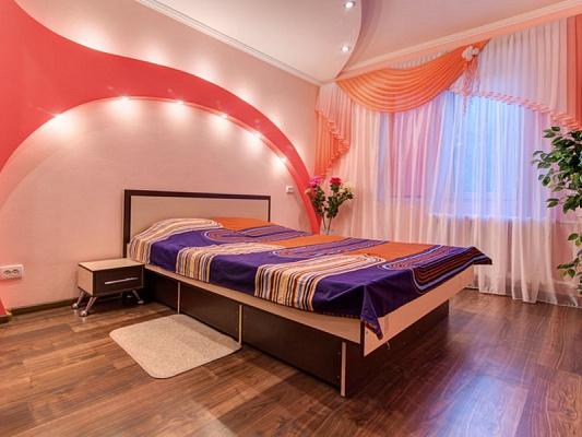 1-комнатная квартира посуточно в Мариуполе. пр-т Строителей, 150. Фото 1