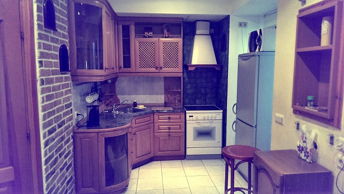 2-комнатная квартира посуточно в Киеве. Печерский район, пл. Бессарабская, 7. Фото 1