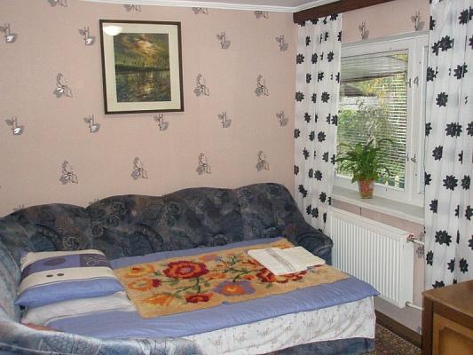 1-комнатная квартира посуточно в Ужгороде. ул. Учительская, 25. Фото 1