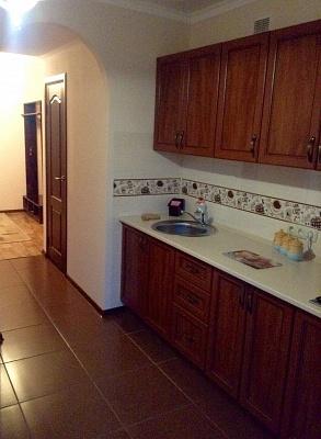2-комнатная квартира посуточно в Львове. Зализнычный район, ул. Патона, 13. Фото 1