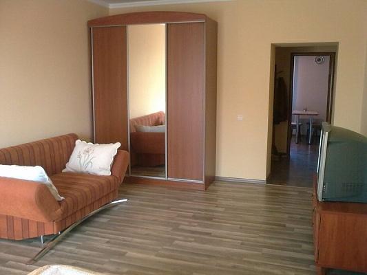 1-комнатная квартира посуточно в Львове. Галицкий район, ул. Шептицких, 2. Фото 1