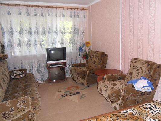 1-комнатная квартира посуточно в Мариуполе. пр-т Металлургов, 45. Фото 1