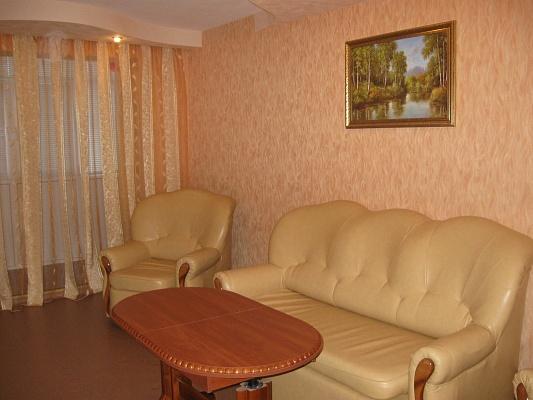 2-комнатная квартира посуточно в Луганске. Октябрьский  район, квартал Дружбы, 12а. Фото 1
