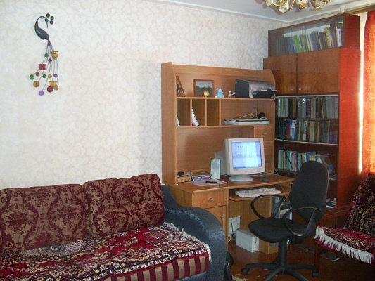 2-комнатная квартира посуточно в Ильичёвске. Пригород район, ул.1 Мая, 9. Фото 1