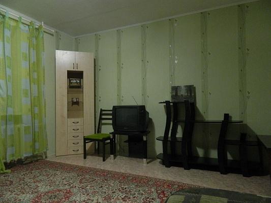 2-комнатная квартира посуточно в Бердянске. ул. Карла Маркса, 29. Фото 1