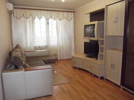 3-комнатная квартира посуточно в Харькове. Московский район, ул. Блюхера, 21-Б. Фото 1