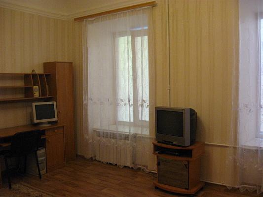1-комнатная квартира посуточно в Одессе. Приморский район, ул. Коблевская, 5. Фото 1