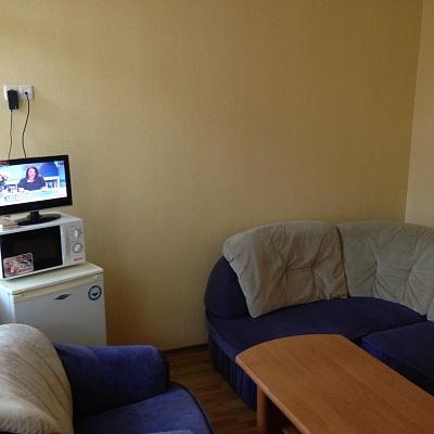 2-комнатная квартира посуточно в Ялте. ул. Кирова, 10. Фото 1