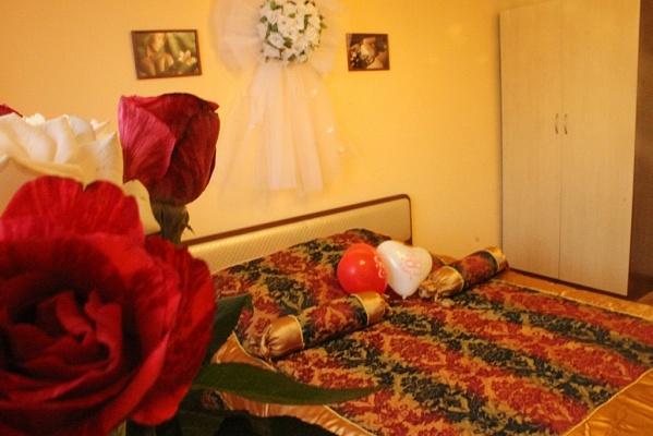 3-комнатная квартира посуточно в Харькове. Дзержинский район, пр-т Л. Свободы, 46. Фото 1