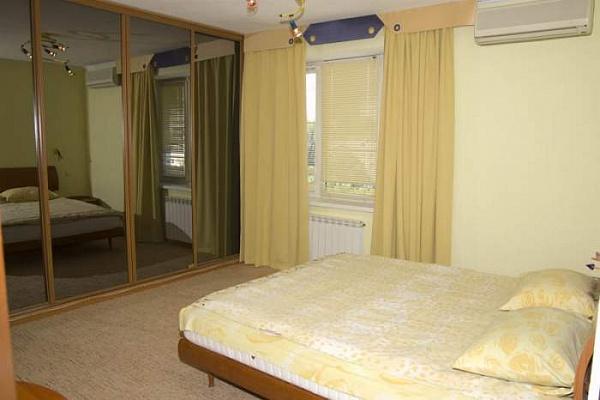1-комнатная квартира посуточно в Полтаве. Киевский район, ул. Маршала Бирюзова, 62. Фото 1