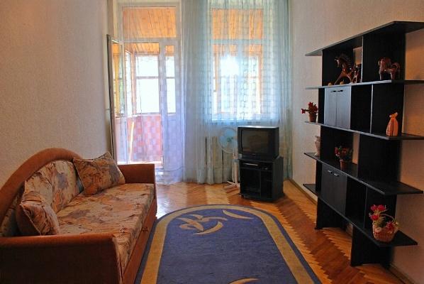 2-комнатная квартира посуточно в Киеве. Печерский район, ул. Эспланадная, 28. Фото 1
