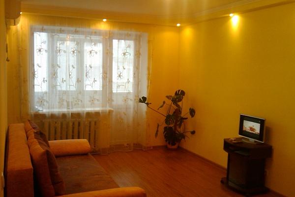 1-комнатная квартира посуточно в Бердянске. ул. 12-го Декабря, 7. Фото 1