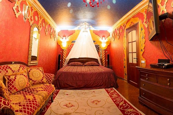 2-комнатная квартира посуточно в Киеве. Оболонский район, ул. Приречная, 5. Фото 1