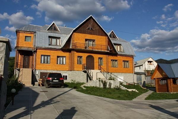 Дом  посуточно в . ул. Заводская, 25. Фото 1