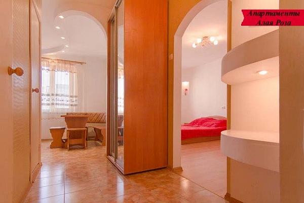 1-комнатная квартира посуточно в Одессе. Киевский район, ул. Архитекторская, 16. Фото 1