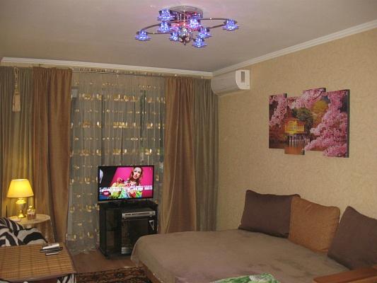 1-комнатная квартира посуточно в Одессе. Пригород район, пр-т Добровольского, 105. Фото 1