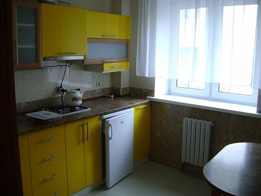 2-комнатная квартира посуточно в Алуште. ул.50-летия Октября, 10. Фото 1