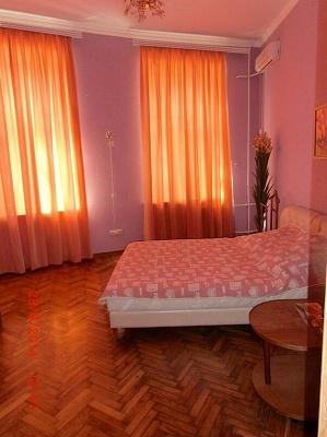 2-комнатная квартира посуточно в Одессе. Приморский район, Одесса, Дерибасовская ,, 27. Фото 1