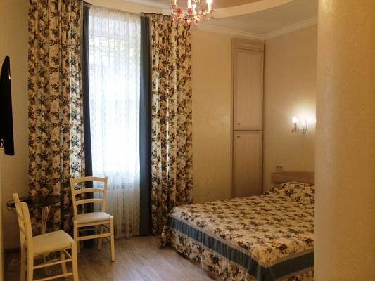 1-комнатная квартира посуточно в Одессе. Приморский район, ул. Преображенская, 9а. Фото 1