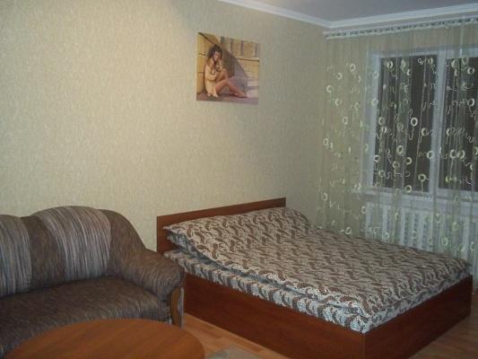 1-комнатная квартира посуточно в Ровно. ул. Юбилейная, 3. Фото 1