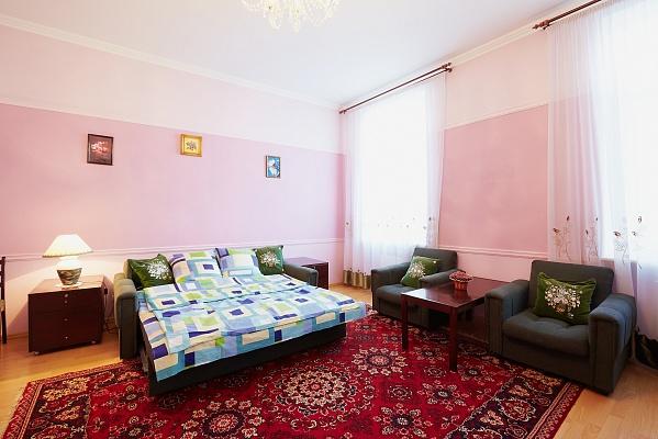 2-комнатная квартира посуточно в Львове. Галицкий район, ул. Федьковича, 13. Фото 1
