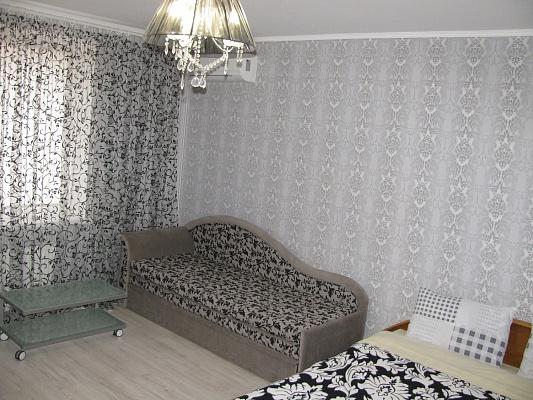 1-комнатная квартира посуточно в Полтаве. Ленинский район, ул. Небесной Сотни (Ленина), 74. Фото 1