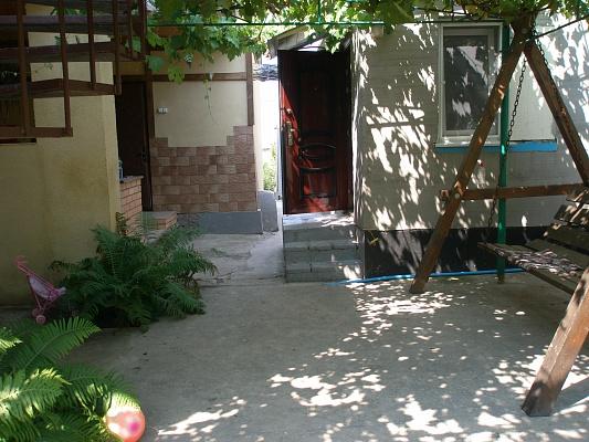 Комната  посуточно в Скадовске. ул. Морская (Артема), 79. Фото 1