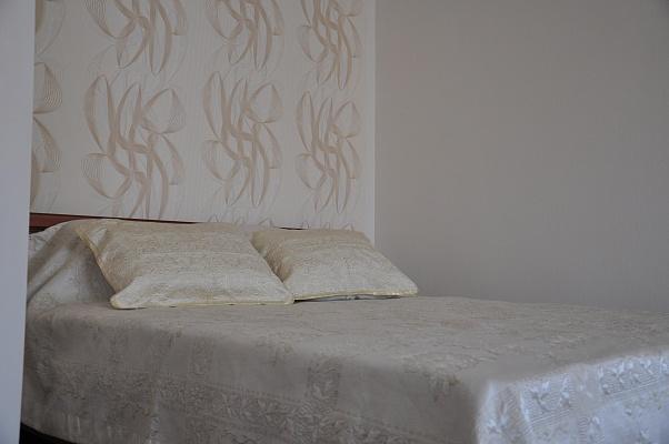 1-комнатная квартира посуточно в Мелитополе. пр-т Б. Хмельницкого, 71. Фото 1