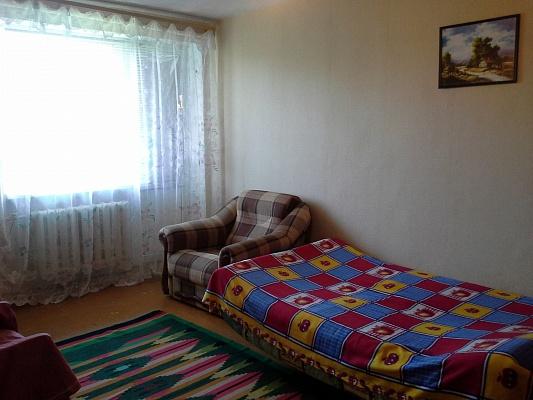 1-комнатная квартира посуточно в Севастополе. Гагаринский район, ул. Героев Подводников, 10. Фото 1